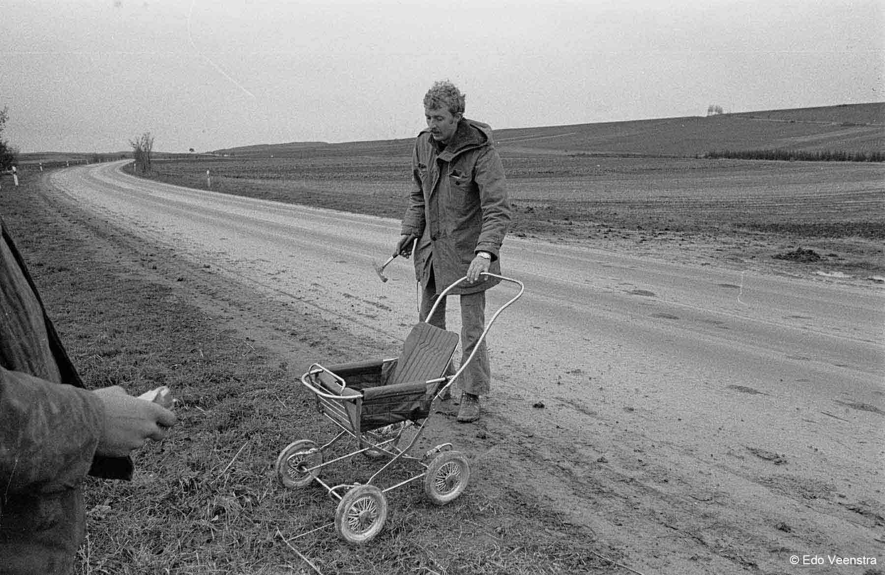 Jan Kaper vindt kinderwagen voor downhill race